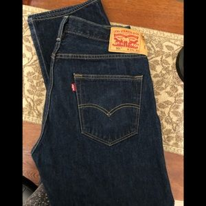 New without tags Men's Classic Button Fly Levi's